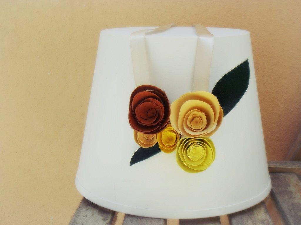 Collier rose di carta, accessori matrimonio estivo, elegante collana realizzata a mano