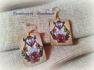 Orecchini in cartoncino Clessidra Rosa 'Tattoo Collection' tecnica decoupage