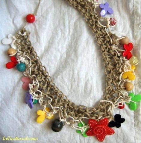 collana in corda con stella marina rossa
