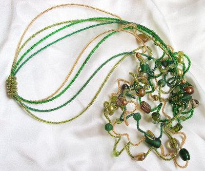"Collana perline ""Ricciolo verde"""
