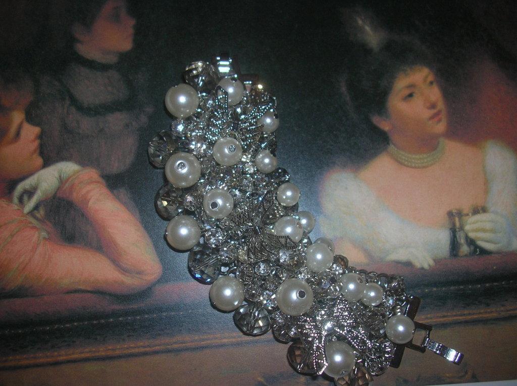 bracciale con perle e cristalli