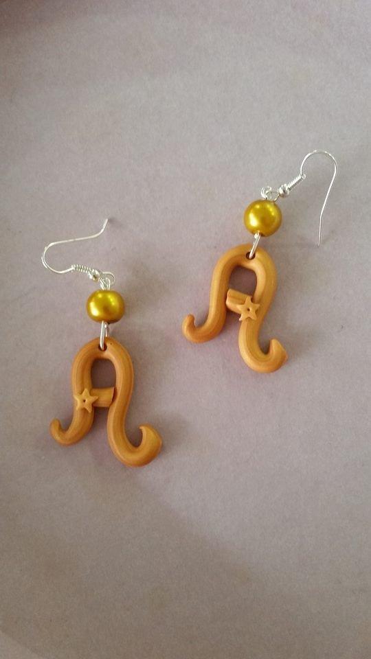 """orecchini """"A"""" pendenti in fimo"""