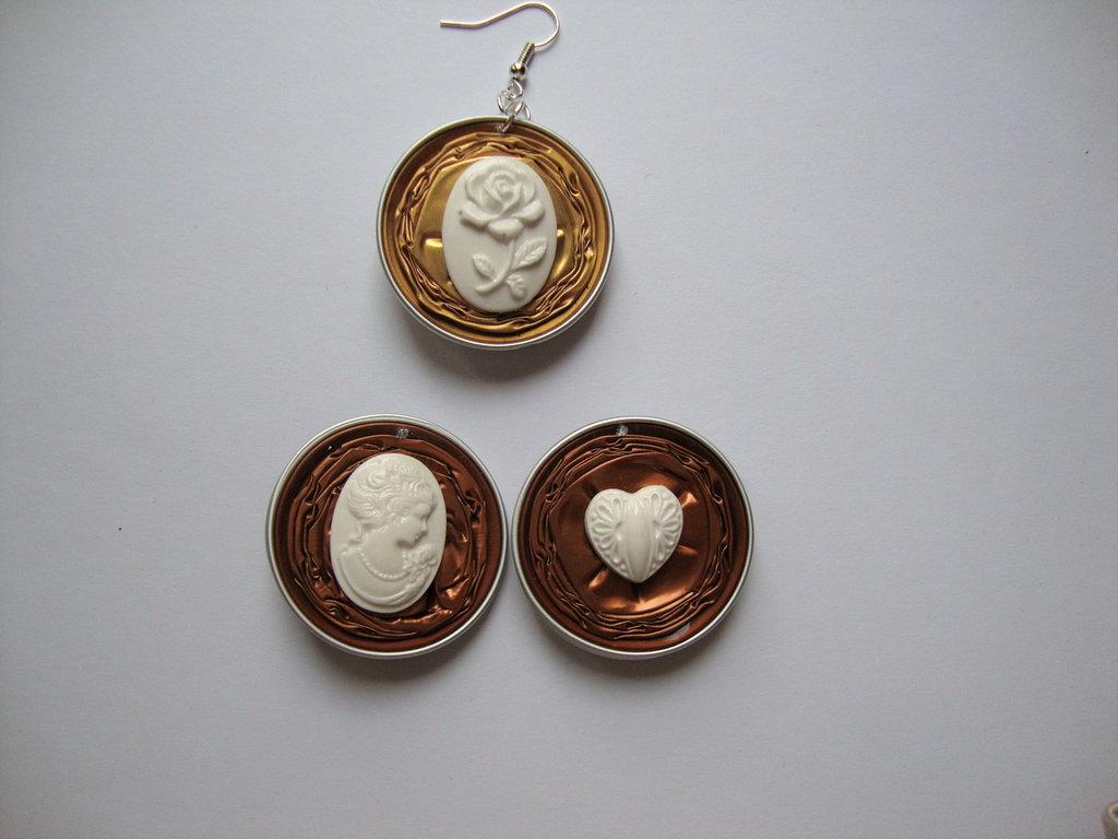 Orecchini Nespresso + miniature cuoricino/cameo viso donna