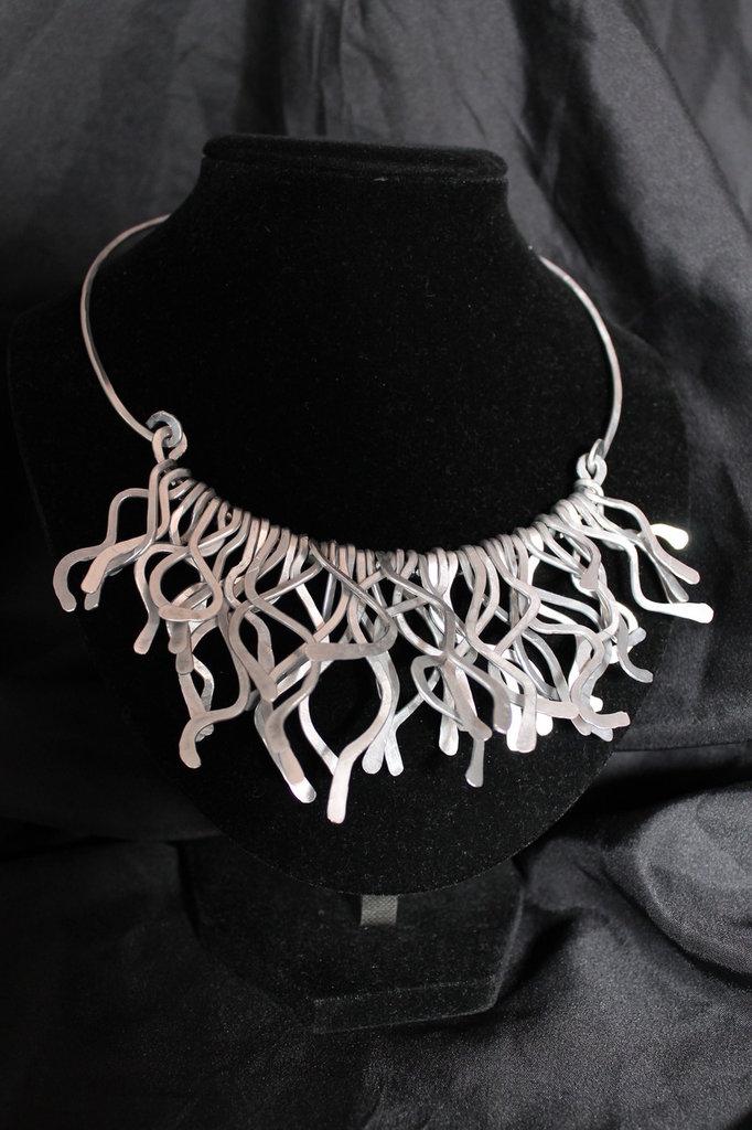 """Collana """"Medusa"""" in alluminio"""