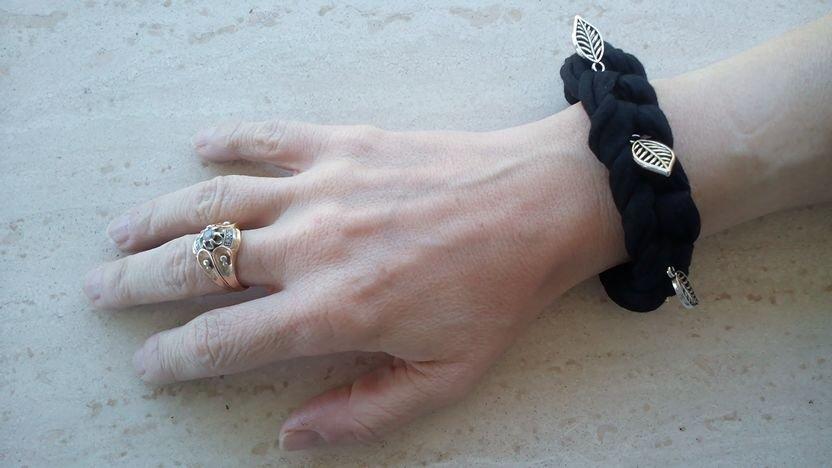 bracciale nero in fettuccia