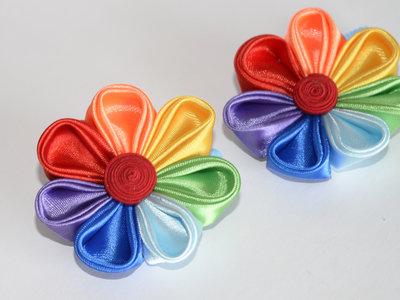 Elastico per capelli con fiore arcobaleno