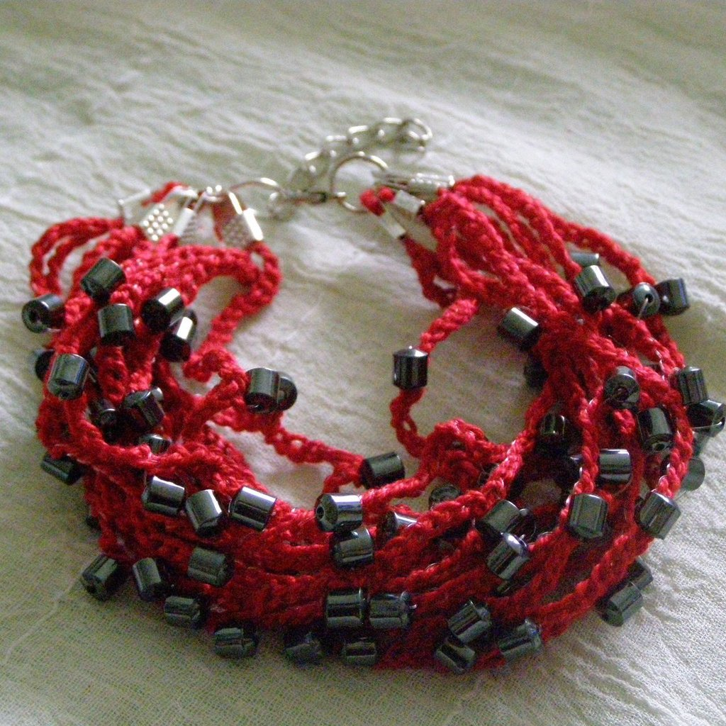 braccialetto multifilo rosso