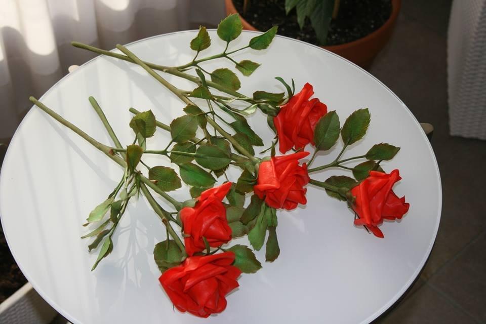 Video corso professionale modellazione del fiore di ROSA in porcellana fredda o pasta di mais.