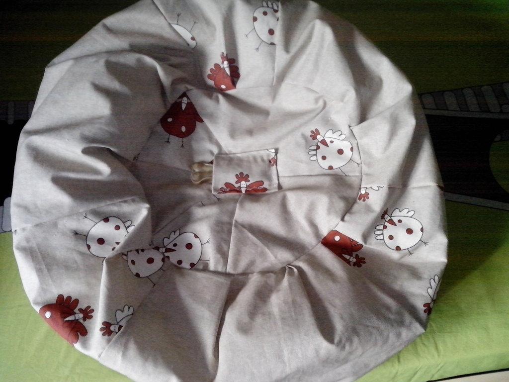 cuccia per i nostri amati animali: pouf imbottito da polietilene espanso