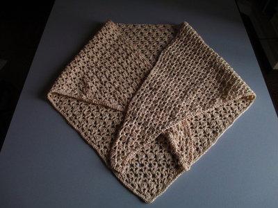 scialle di cotone beige con lurex ad uncinetto