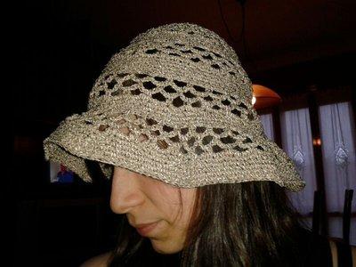 cappello estivo da donna ad uncinetto