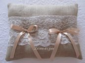 Cuscino porta fedi in lino naturale e pizzo Valencienne