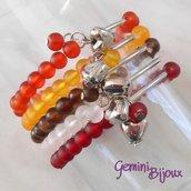Bracciale cinque file perle frosted su filo elastico e pendente cuore, colori di terra, fatto a mano