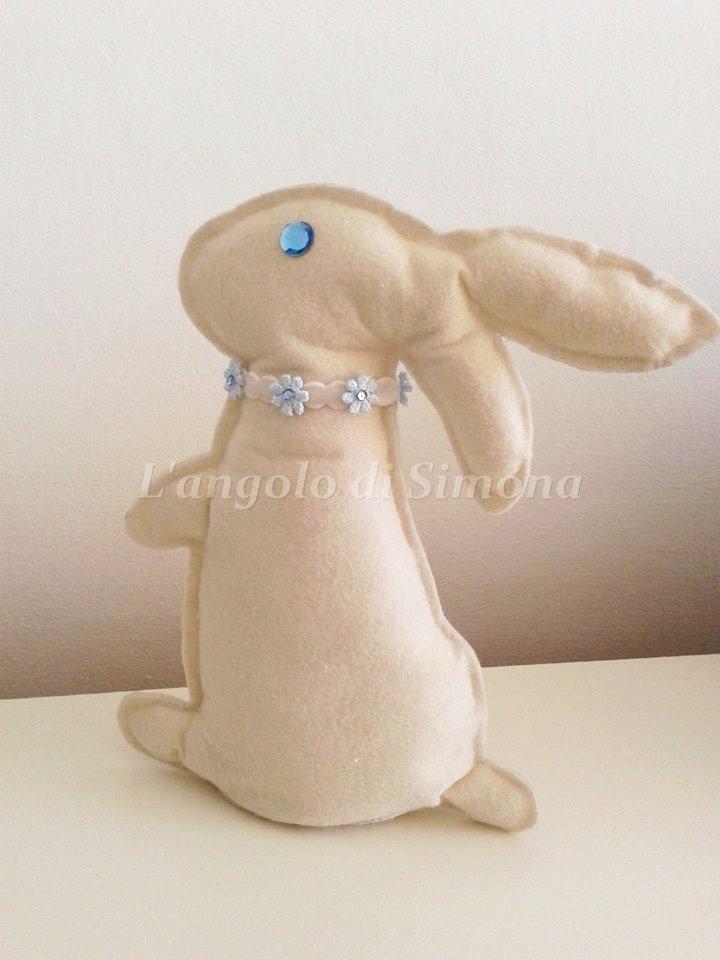 Pupazzo coniglio in feltro