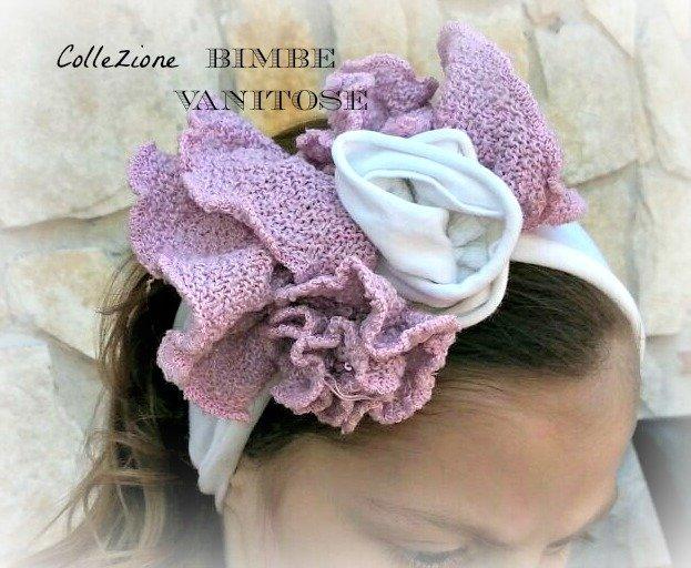 fascia per capelli bianca con fiore in maglia di cotone