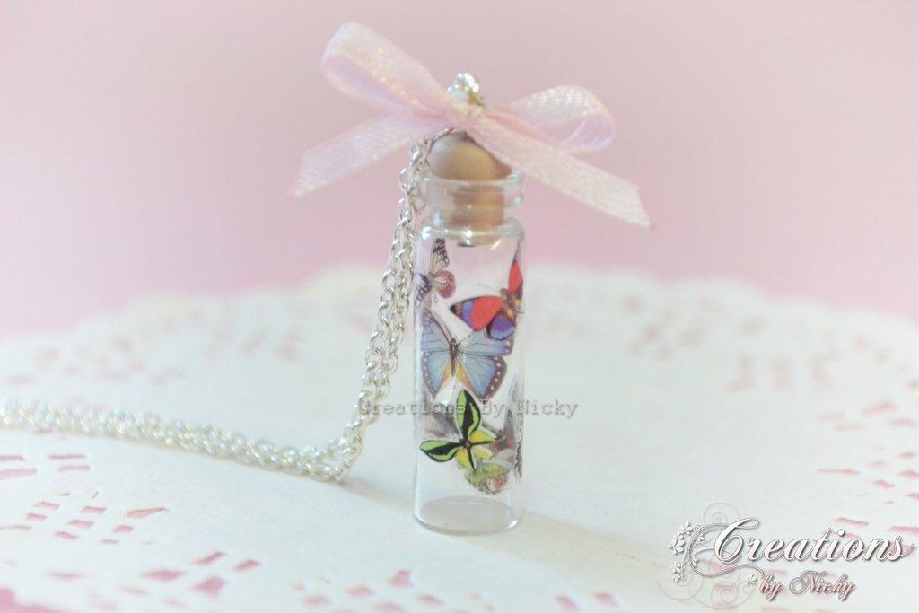 Collana con miniature farfalle