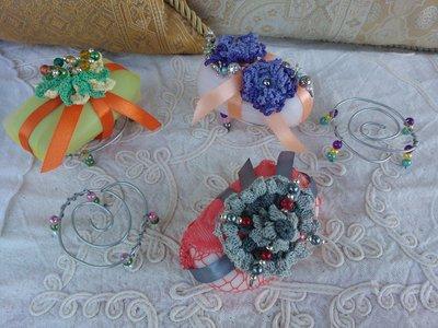 Saponette profumate e decorate ad uncinetto e perline.