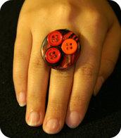 Anello con bottoni 1