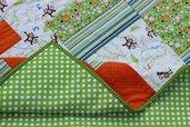 """Copertina patchwork per bambini a colori vivaci misura lettino cm 107x130 """"Le scimmiette Zizì"""""""