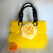 Borsa in fettuccia fatta a mano all'uncinetto, Crochet hand made floreale