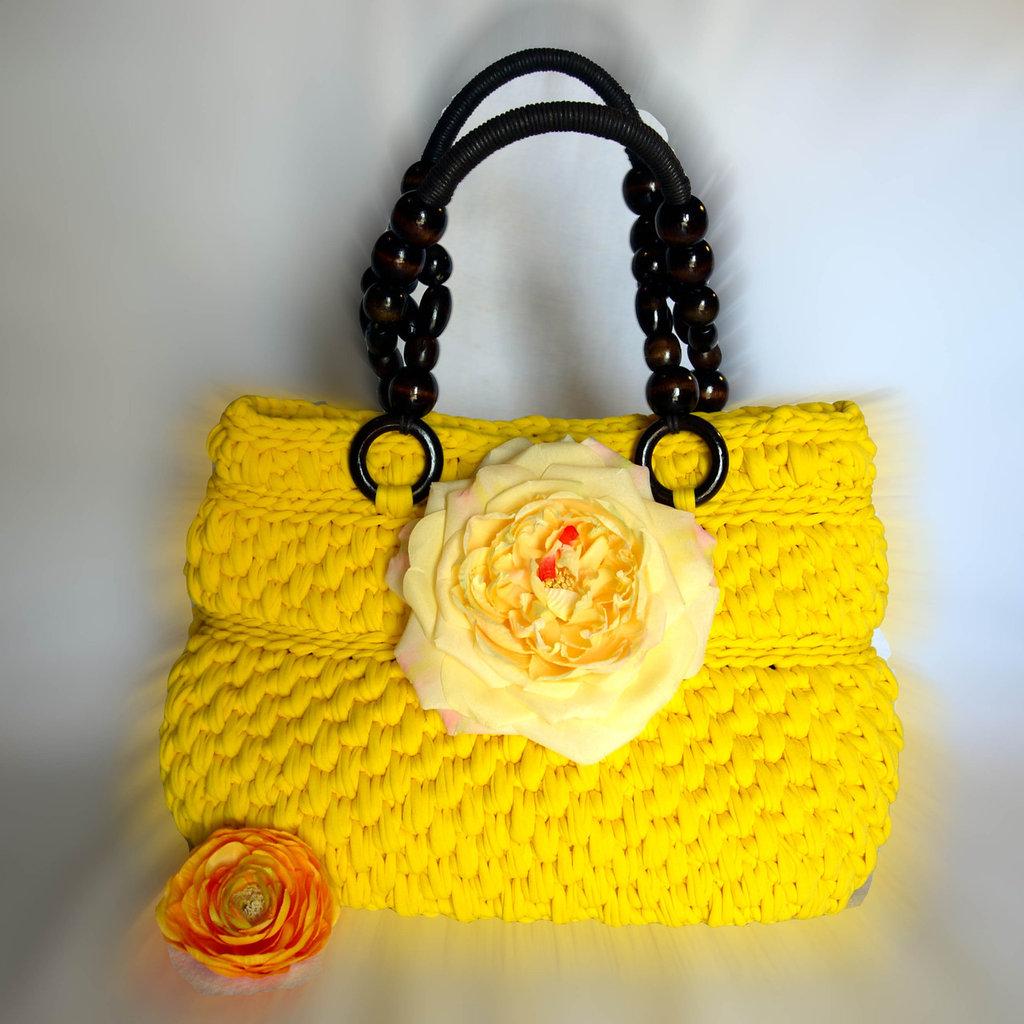 Borsa in fettuccia fatta a mano all'uncinetto, Crochet hand made floreale