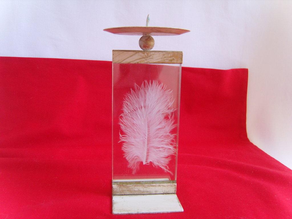 Porta candela in metallo e vetro con piuma cigno, anni '70