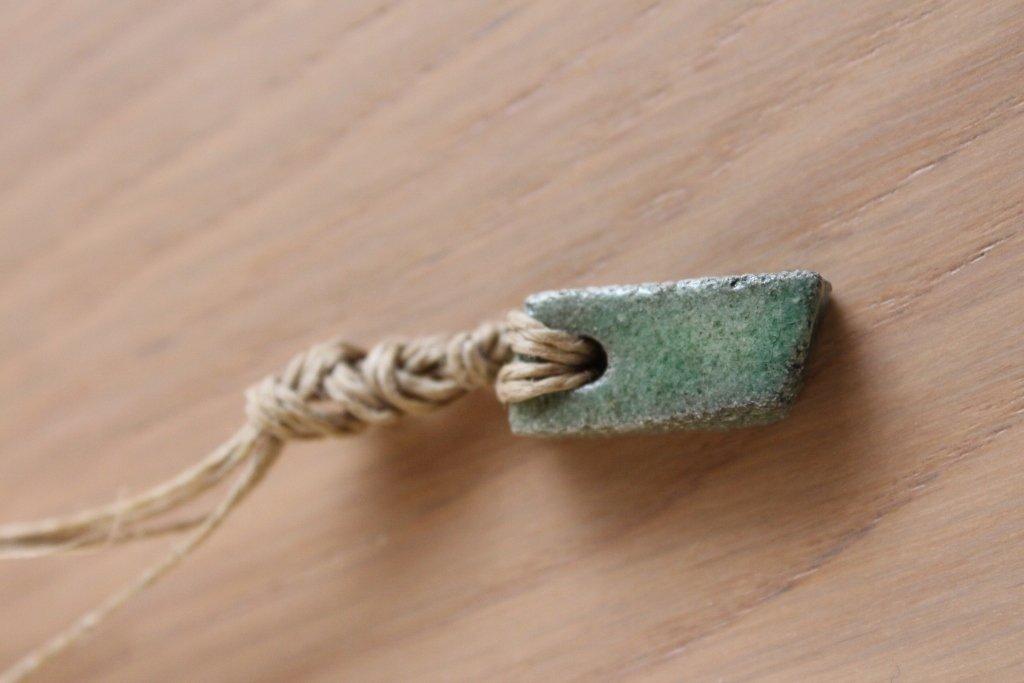 """ciondolo """"rettangolo"""" in ceramica raku verde"""