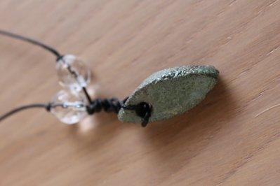"""ciondolo """"piccola goccia"""" in ceramica raku verde"""