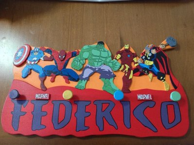 Appendiabiti / borse artigianale Marvel supereroi in legno dipinto a mano hulk spiderman ironman thor