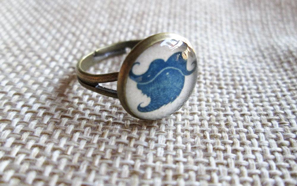 Anello in resina Barba Blu