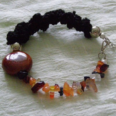 bracciale con pastiglia in ceramica color terracotta