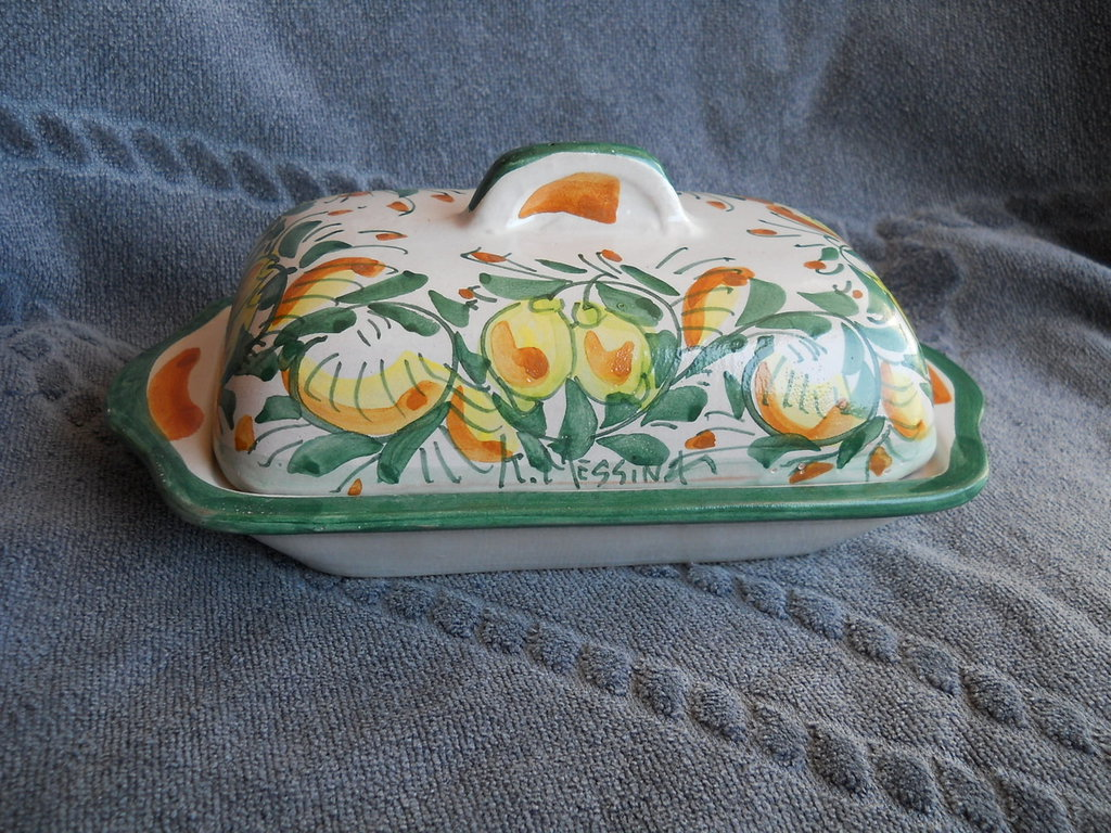 Portaburro in ceramica