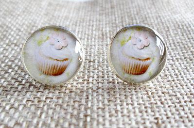 Orecchini in resina - cupcakes panna bianca fiore rosa