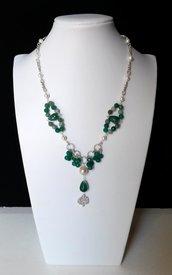 Collana con catena argentata, agata verde, perle, susta con madreperla