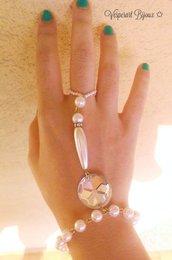 Fingerbracelet perle e brillanti.