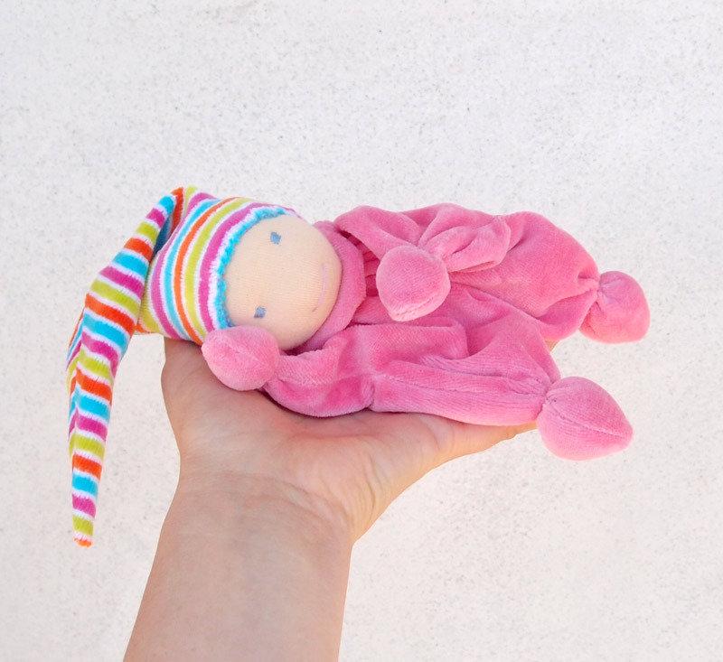 Bambola waldorf nanetto giocattolo per neonato in ciniglia rosa