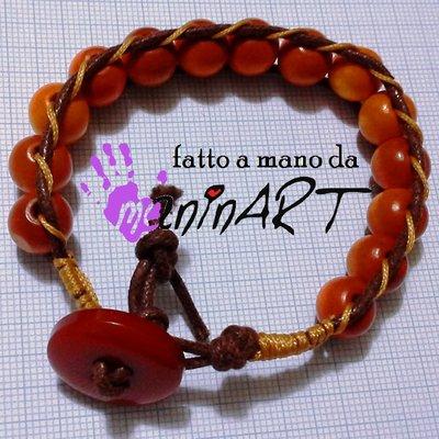 bracciale stile Chan Luu in cotone cerato e perle legno col.mattone