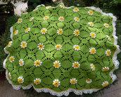Copertina neonato a fiorellini in lana