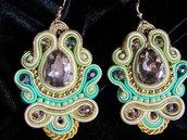 orecchini pendenti a soutache verde chiaro e oro