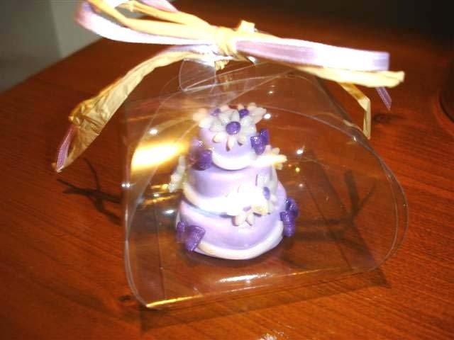 FIMO ESEMPIO DI MINI WEDDING CAKE - ideale come  segnaposto   bomboniera  TORTA LILLA con MARGHERITE per matrimonio, compleanno battesimo SCEGLI TU COLORE e DECORO