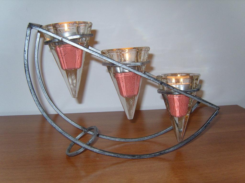 Porta candele in ferro e bicchierini di vetro vintage