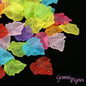 Lotto 10 foglie acrilico 24x22 mix di colori