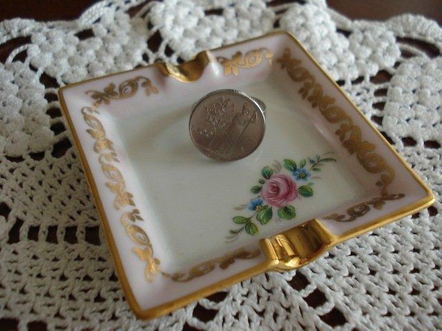 Anello con vecchia moneta da 100 lire