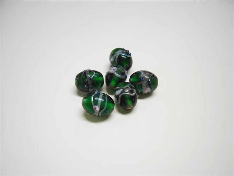 Perle in vetro ovali verdi
