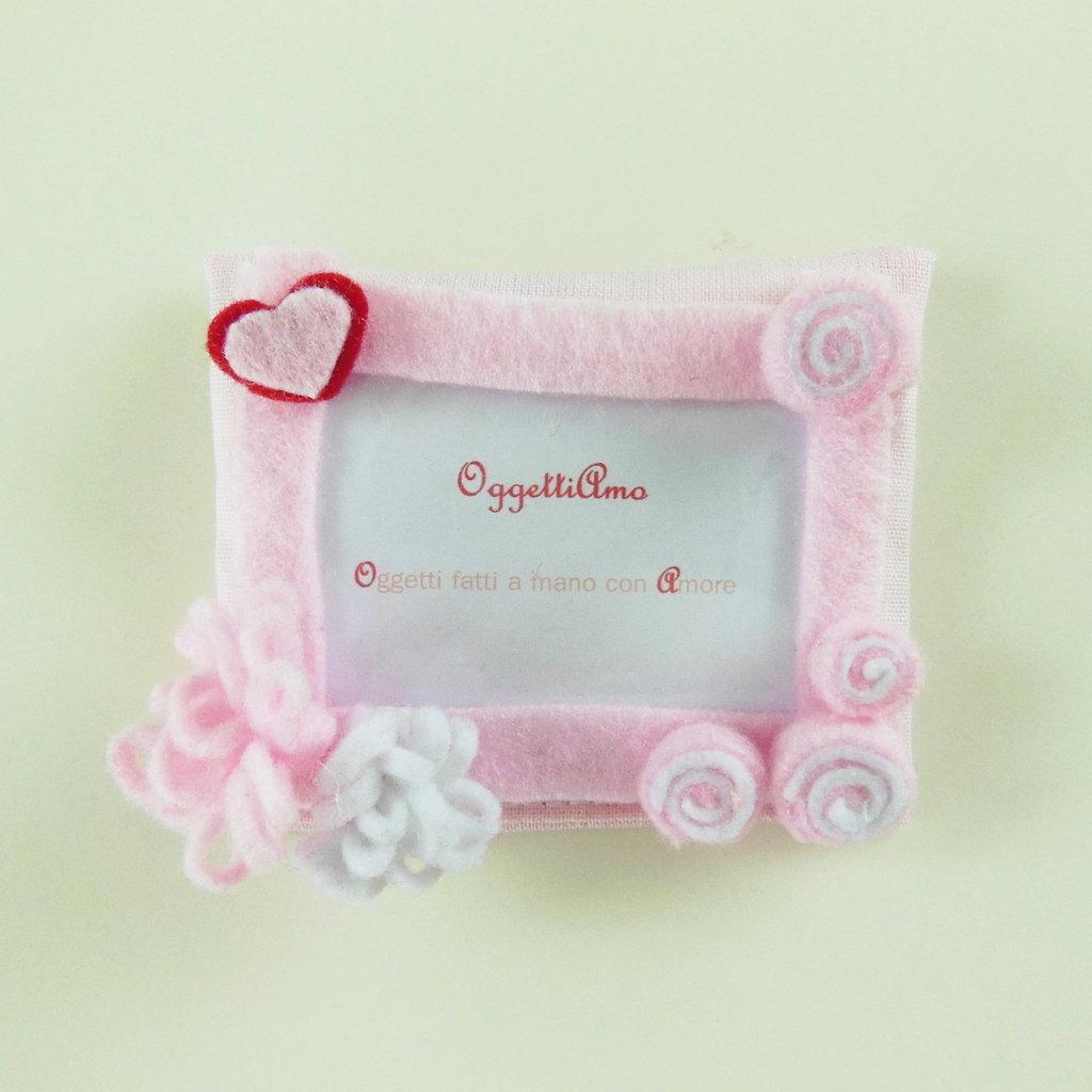 Cornici in feltro rosa e rosso: Bomboniera, calamita, idea regalo per ricordi che arredano!