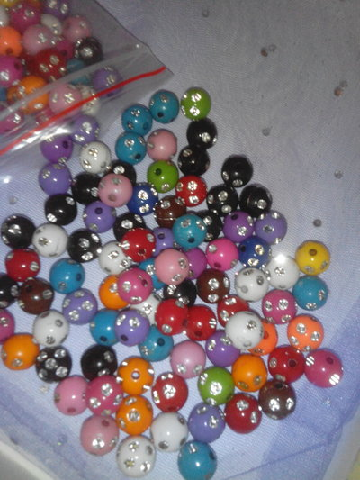 50 PERLE COLORATE CON STRASS 10MM