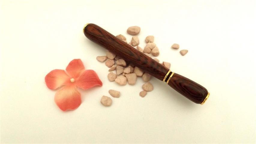 PENNARELLO PROFUMO - in legno Bois de rose no fimo - Come riutilizzare i campioncini di profumo  - IDEA REGALO NATALE