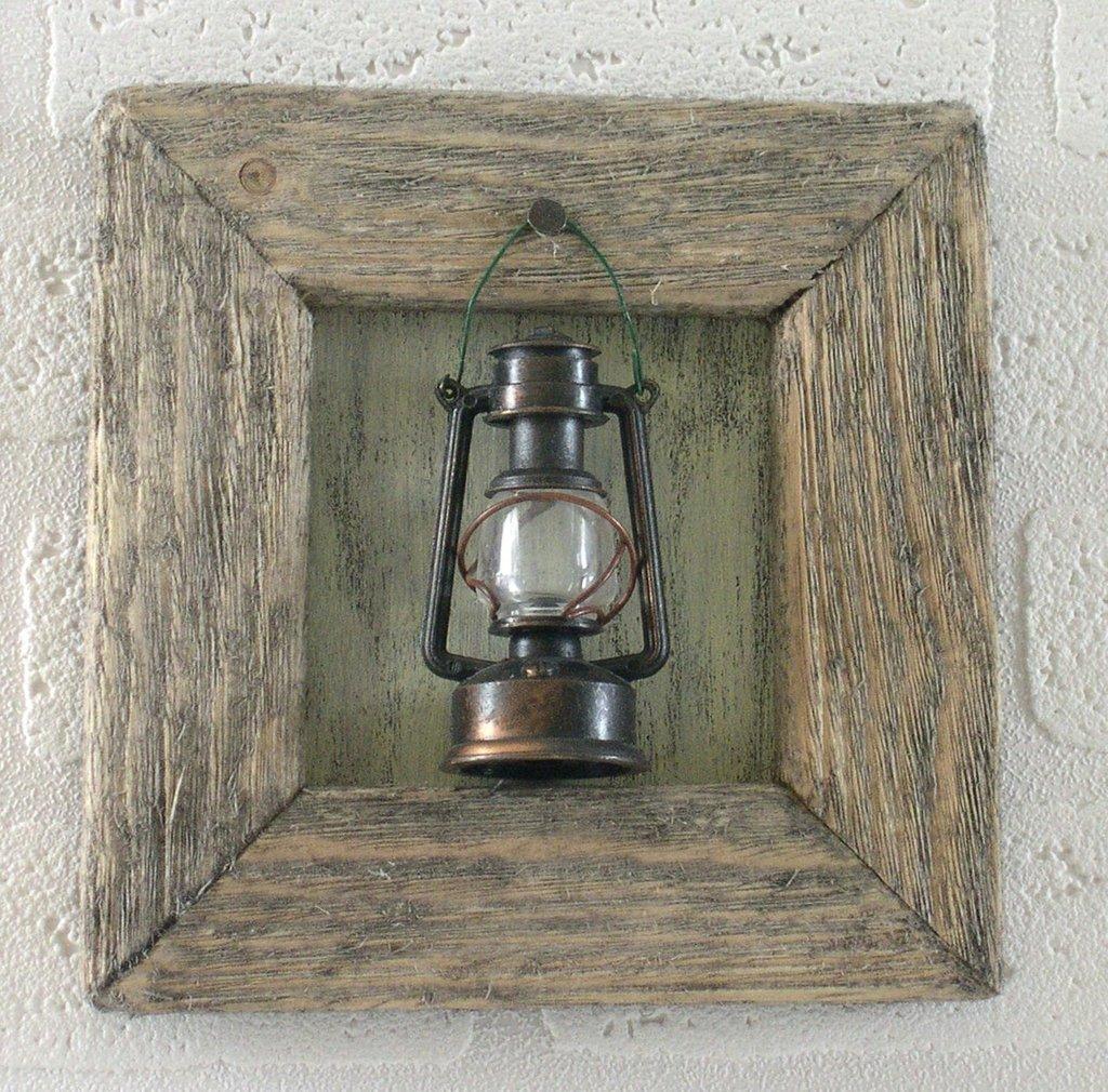 LA LANTERNA quadretto con cornice in legno vecchio