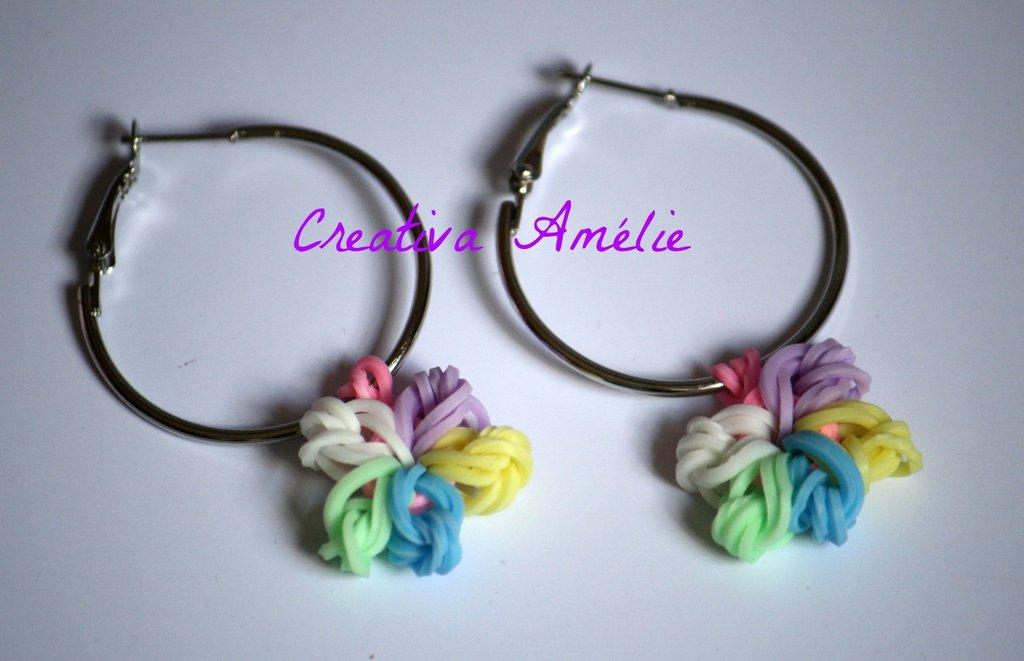 Orecchini a cerchio con ciondolo fiore multicolor
