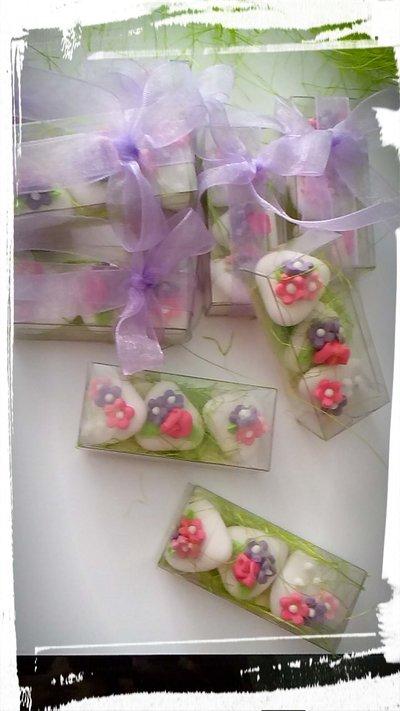 confettata matrimonio, confetti decorati, rosa fucsia e lilla